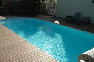 Guest house : the swimming pool